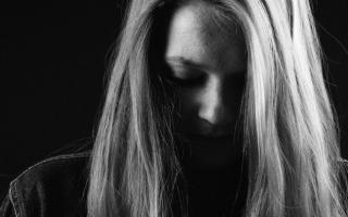 Причины появления молочницы у женщин, как лечить заболевание?